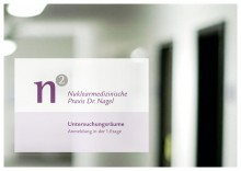 Praxisschild für Dr. Nagel, Arztpraxis für Nuklearmedizin